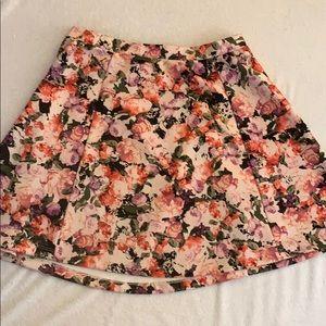 Adorable high waist floral skirt
